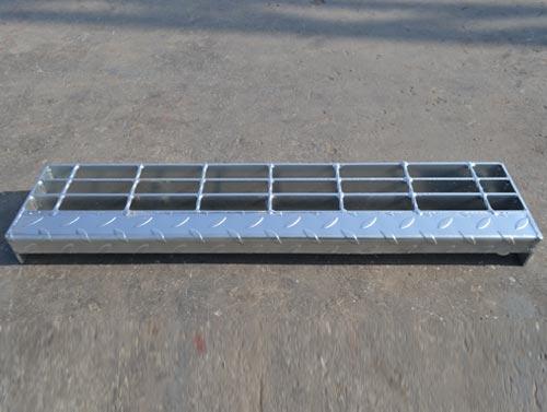 T4 Footboard